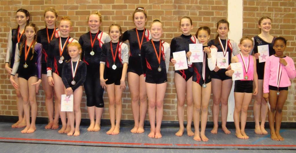 Novice B and Grade 1 pairs medal winners